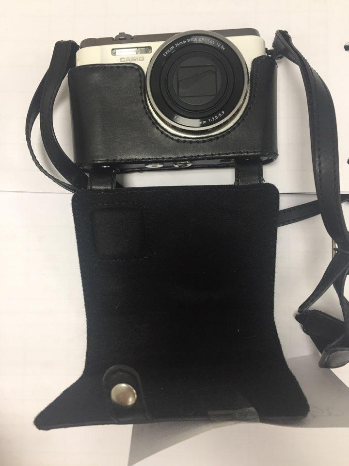 카메라(150)