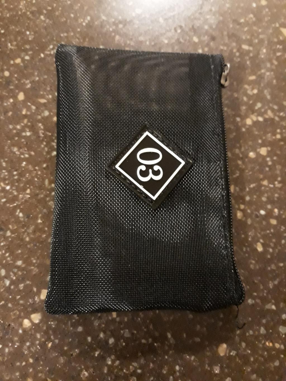 3이라고 적혀지 투명카드지갑